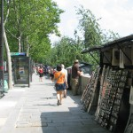 På kajen längst Seine finns det gott om försäljare av bl.a. tavlor
