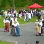 Folkdans på Midsommarafton
