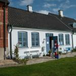 Pittoreska hus finns det gott om i Borstahusen och alla ligger vid havet