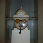 Victoria & Albert Museum ligger alldeles i närheten av Ognisko, där fanns denne man