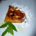 Fylld med söt ost och mycket god, serveras på Ognisko.