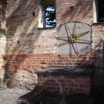 Klosterruinen ligger tillsammans med St:a Annas kyrka