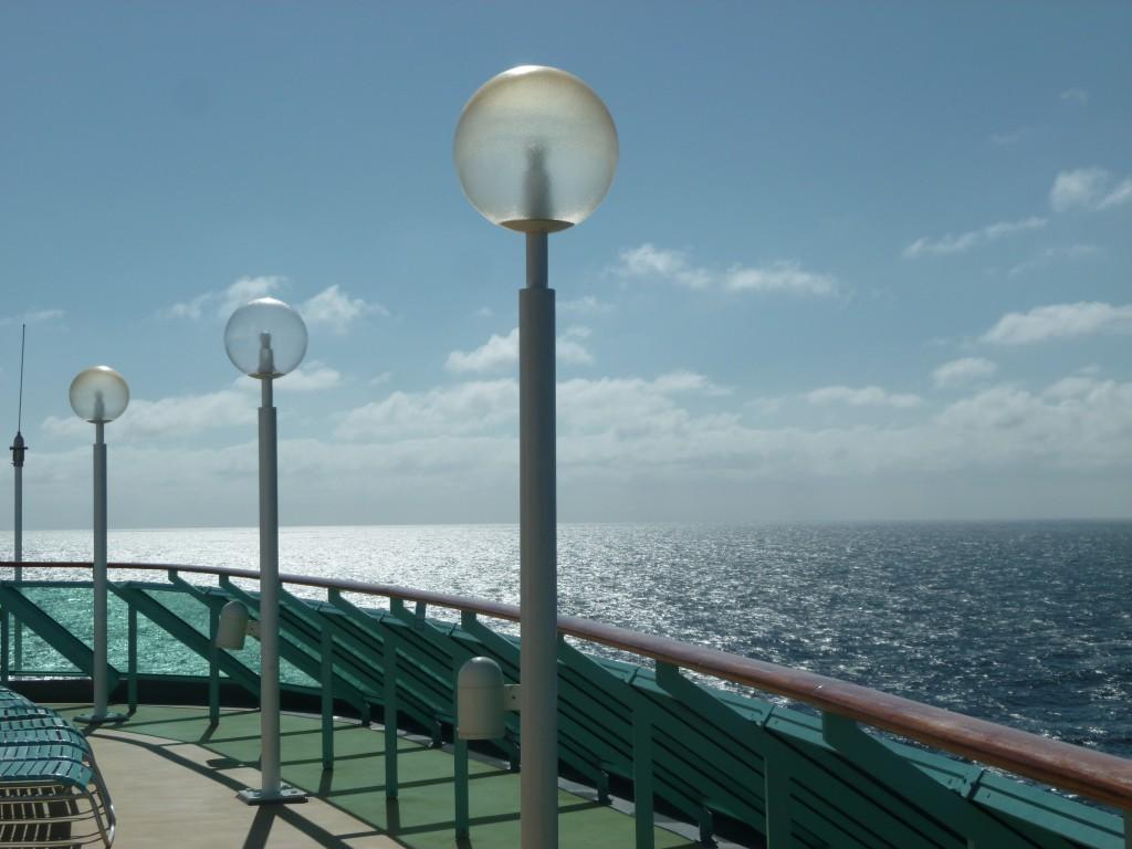 122 Ombord, motionsrunda fanns på översta däck.