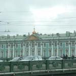 315 Vinterpalatset vars fasad är lång som en följetong
