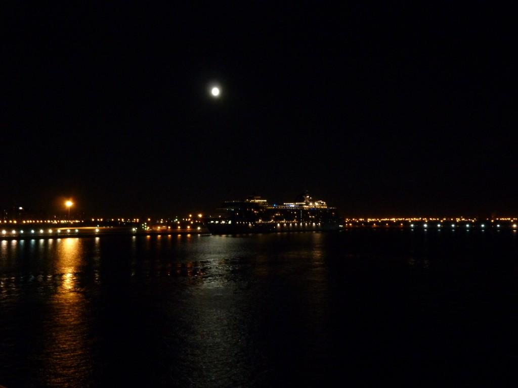 324 Natt i St Petersburg