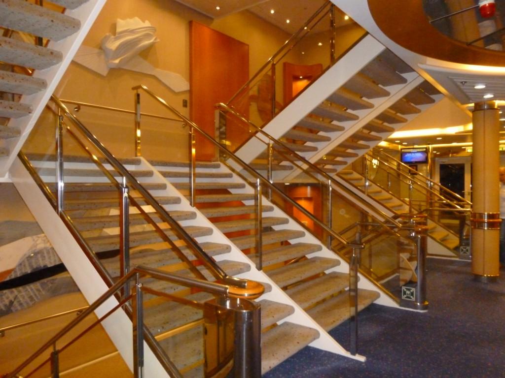 Gott om trappor och hissar